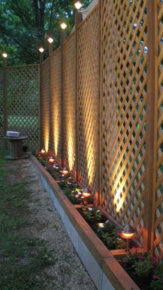A Lattice Fence – Grow Vines on Them