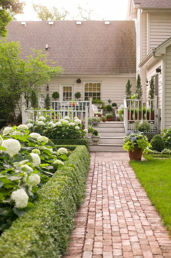 Nature and Beauty - Small Garden Design Ideas