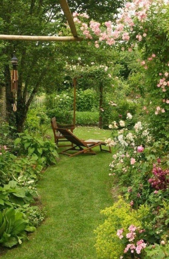 A Vintage Vibe - Small Garden Landscaping Ideas