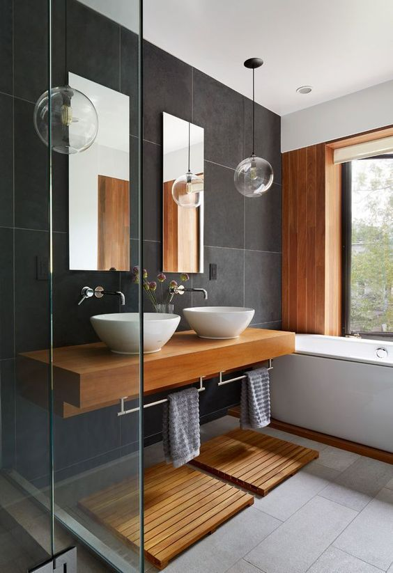 Black and Wood – Modern and Chic