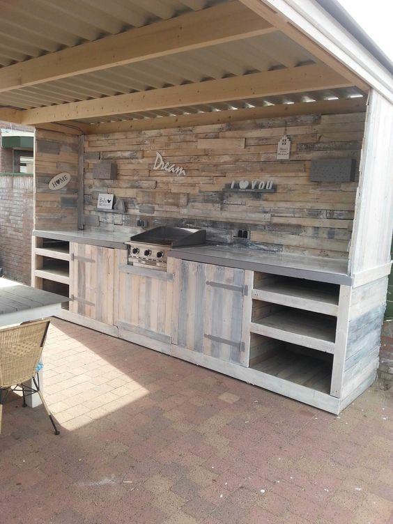 Using Wooden Pallets - Outdoor Kitchen Cabinet Ideas