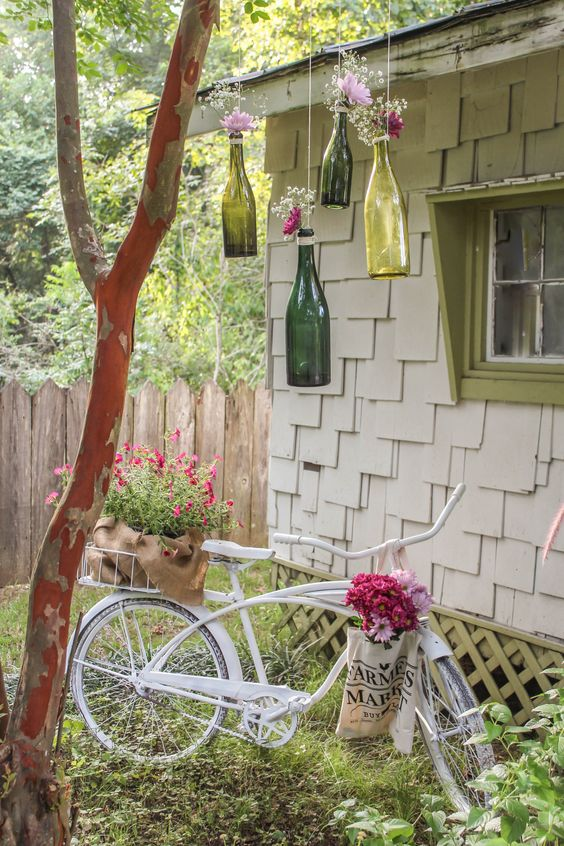 Recycle Empty Wine Bottles – Outdoor Decorations for Summer