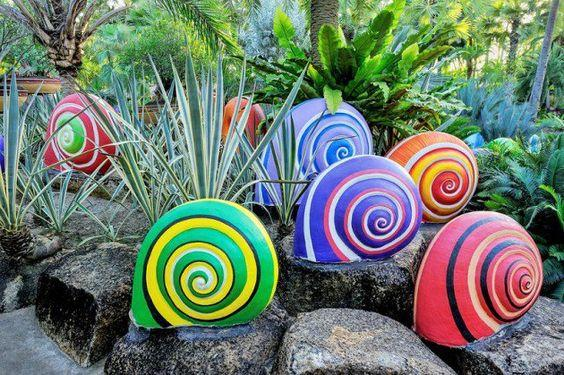 Spectacular Snails - Outdoor Decorations for Summer