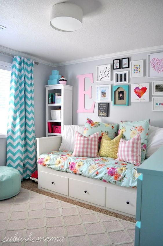 A Wall of Art - Creative Girls Bedroom Decor Ideas