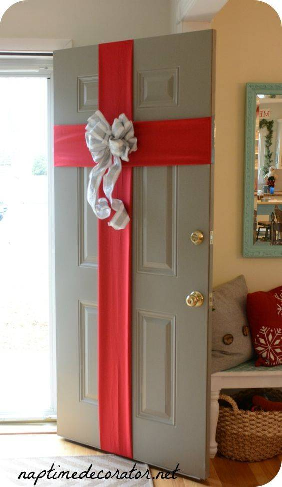Welcoming Christmas - With Front Door Decor