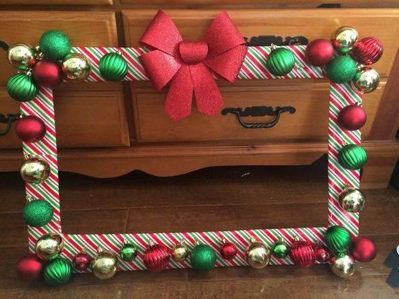 A Photo Frame – DIY Christmas Party Decorations