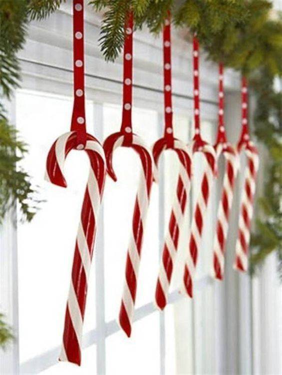 Cool with Candy Canes – Tasty Christmas Window Decorations
