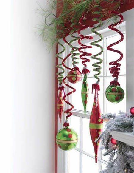 Spectacular Spirals - Christmas Window Decoration Ideas