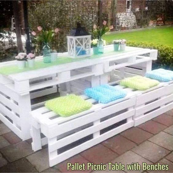 A Fantastic Pallet Project - A Table and Benches