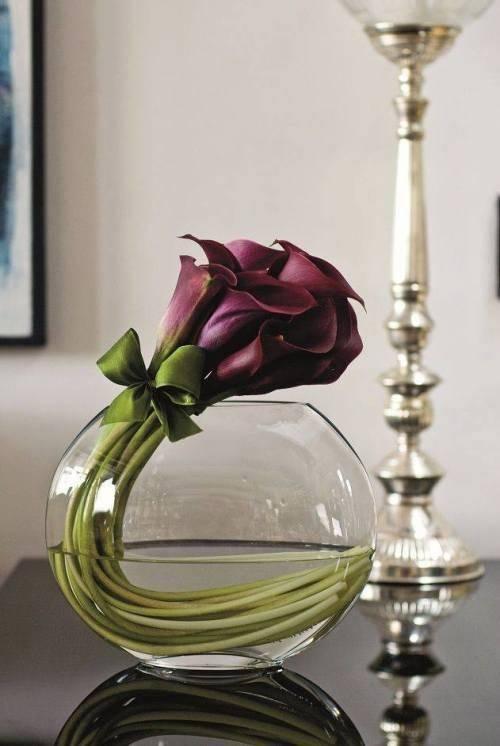 A Unique Floral Arrangement - Spring Table Centrepieces