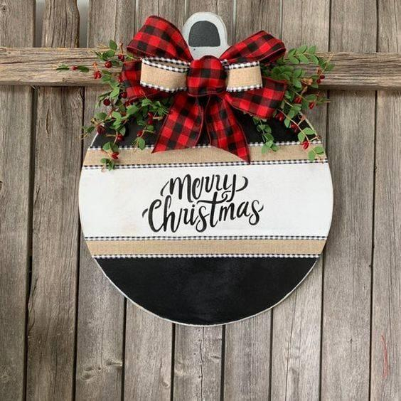 Wishing Everyone a Merry Christmas - Cute Door Hanger