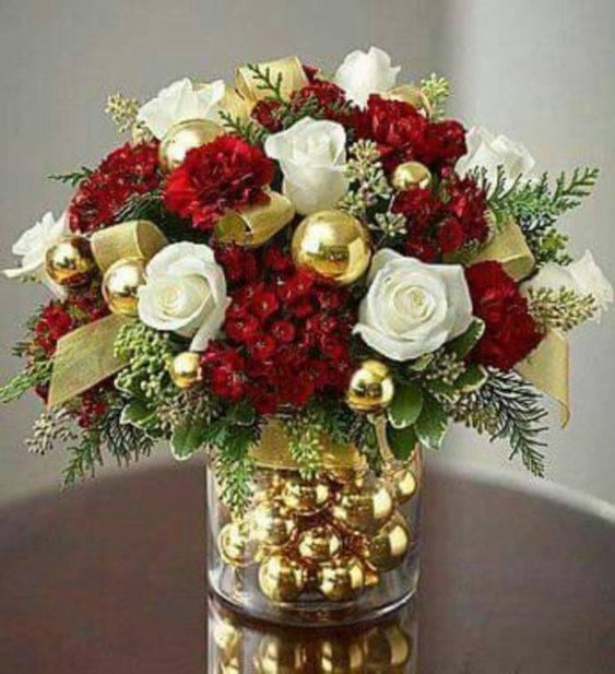 A Christmas Bouquet - Christmas Table Centrepieces