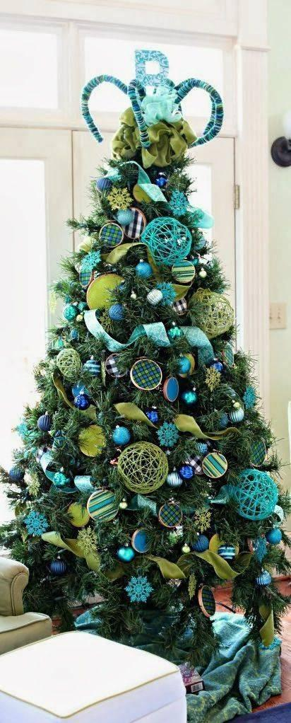 Blue and Green – The Best Christmas Tree Decorations