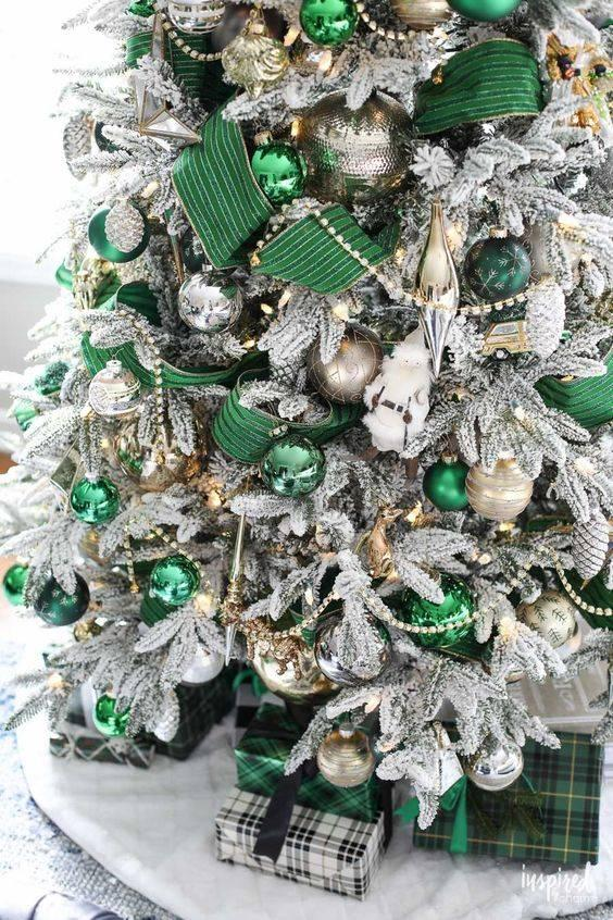 Green and Silver - Elegant Christmas Tree Decorating Ideas