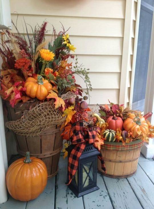 Barrels of Goods – Fall Decorating Ideas for Outside