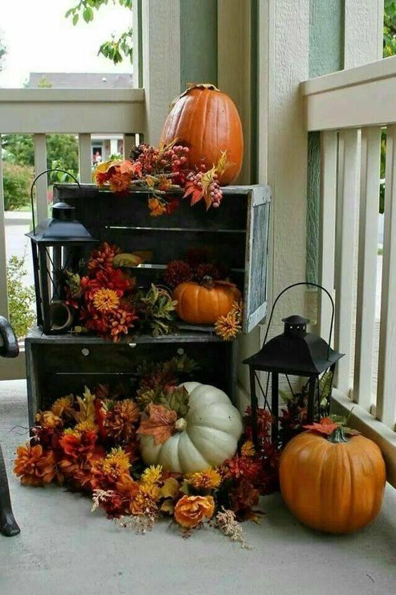 Pumpkins and Lanterns – Fall Decorations for Outside