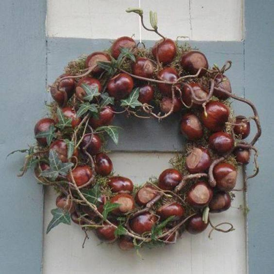 Charming with Chestnuts - Fall Wreath Ideas