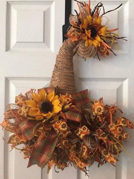 Festive for Halloween – Try Out a Witch's Hat