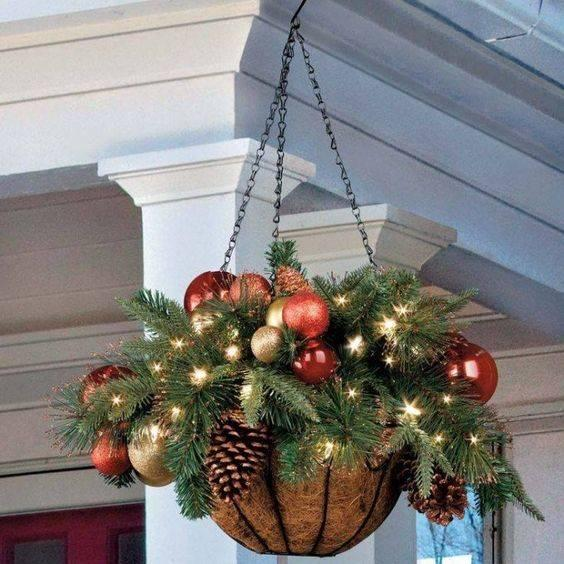 A Basket Filled with Ornaments - Simple and Stylish