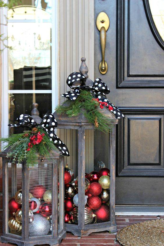 Christmas Ornaments - Easy Outdoor Christmas Decorating Ideas