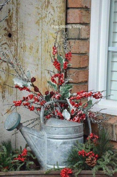 An Alternative to a Vase - Outdoor Christmas Decoration Ideas