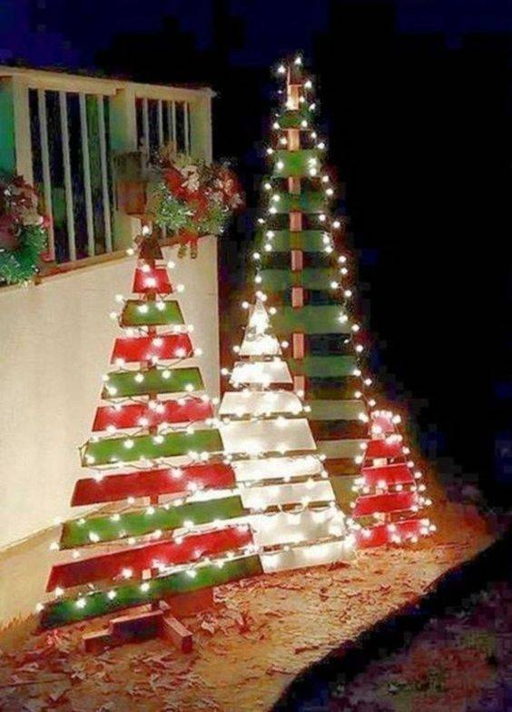 Creating Christmas Trees - Easy Outdoor Christmas Decorating Ideas