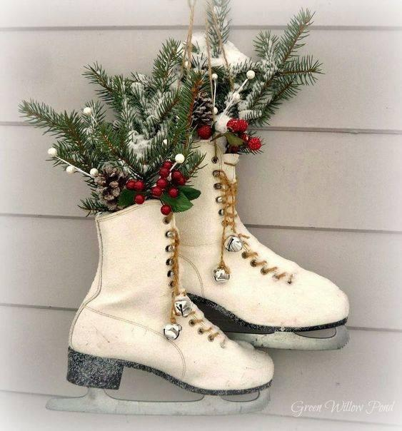 Ice Skate Vase - Front Door Wreath