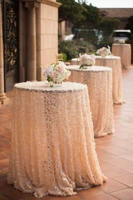 Lovely in Lace – Cocktail Table Ideas