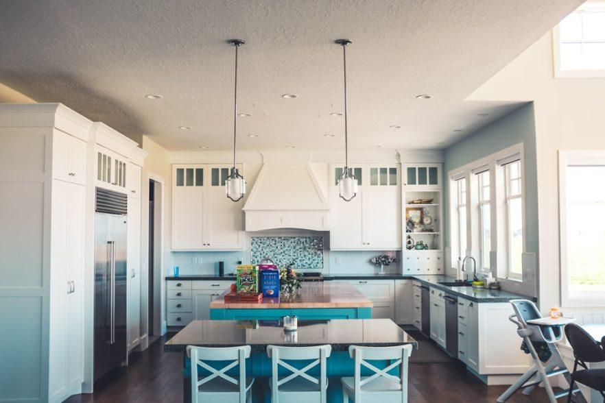 Ways-to-Stay-on-Budget-When-Remodeling-Your-Kitchen-1.jpg