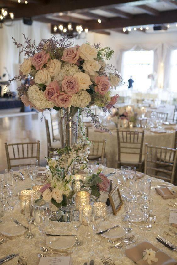 A Bouquet of Roses - Wedding Table Decoration Ideas
