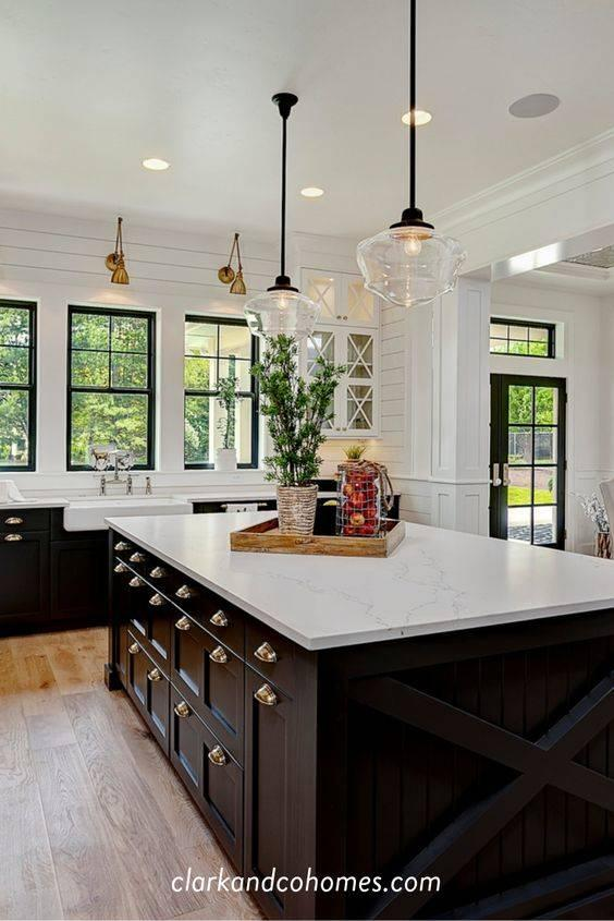 Refinement in Glass - Modern Pendant Lighting for Kitchen Island