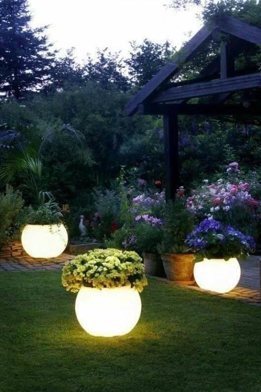 Amazing Glowing Pots - Carefully Arranged