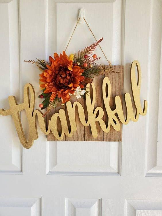 Easy and Effortless - Thanksgiving Door Decorating Ideas