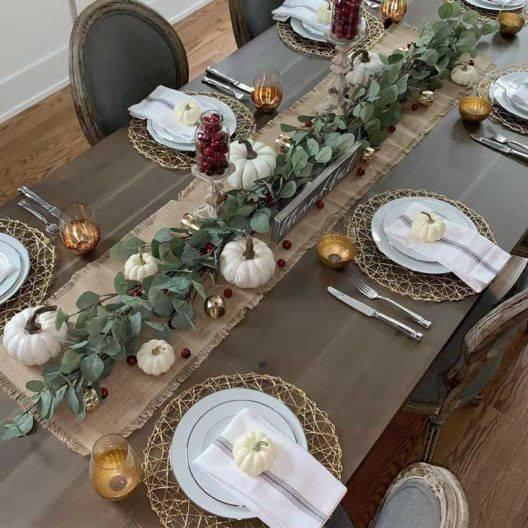 Elegant and Sophisticated - Thanksgiving Table Decor Ideas