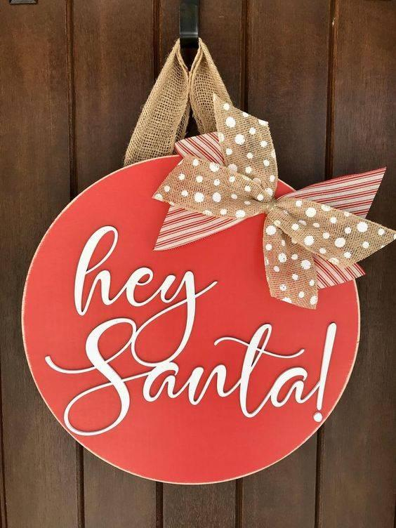Welcoming Santa Claus - Santa Claus Wreath Ideas